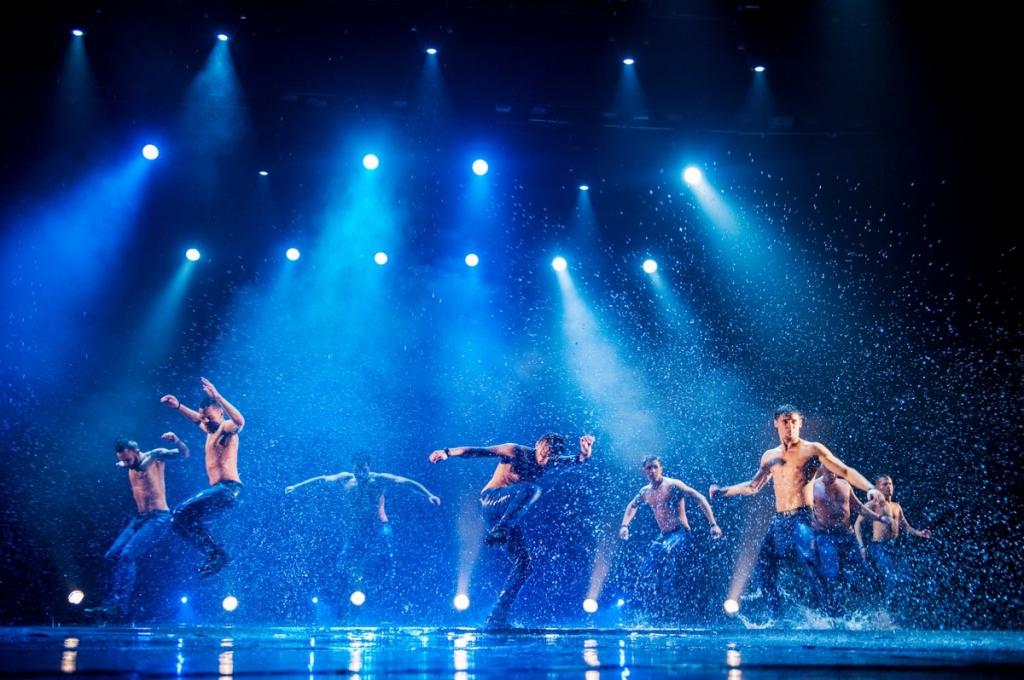 Шоу под дождем нижний новгород купить билет театры екатеринбург афиша е1